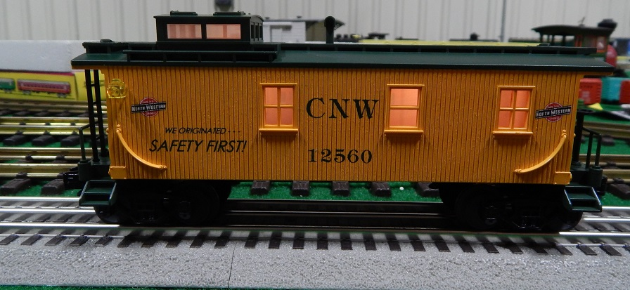 Semi-Scale Rail King RK-7707L CNW Lighted Caboose