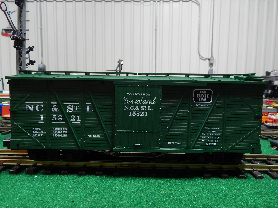 USA Trains R1419 NC and StL Dixie Line Box Car