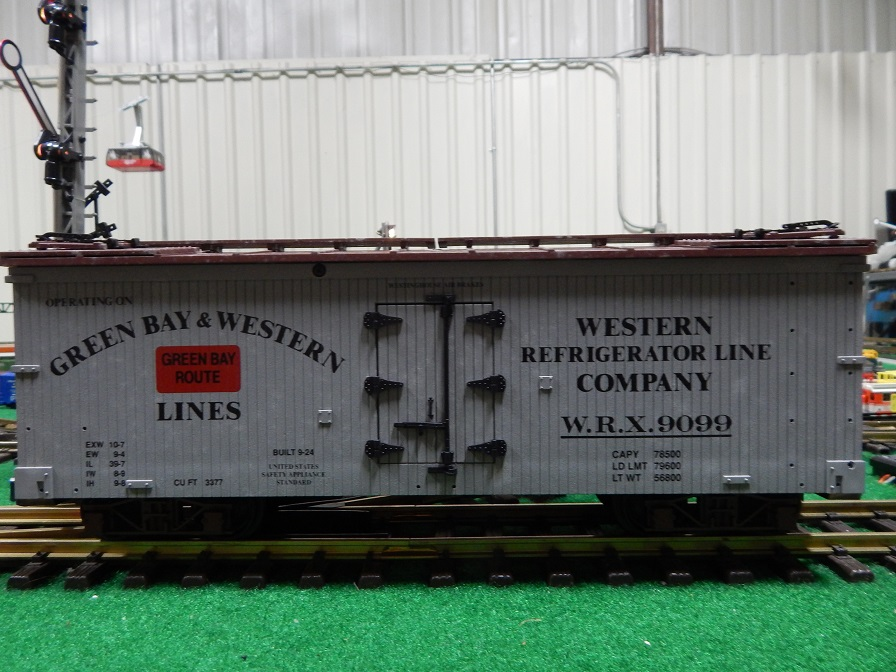 USA Trains R1636 Green Bay and Western Reefer