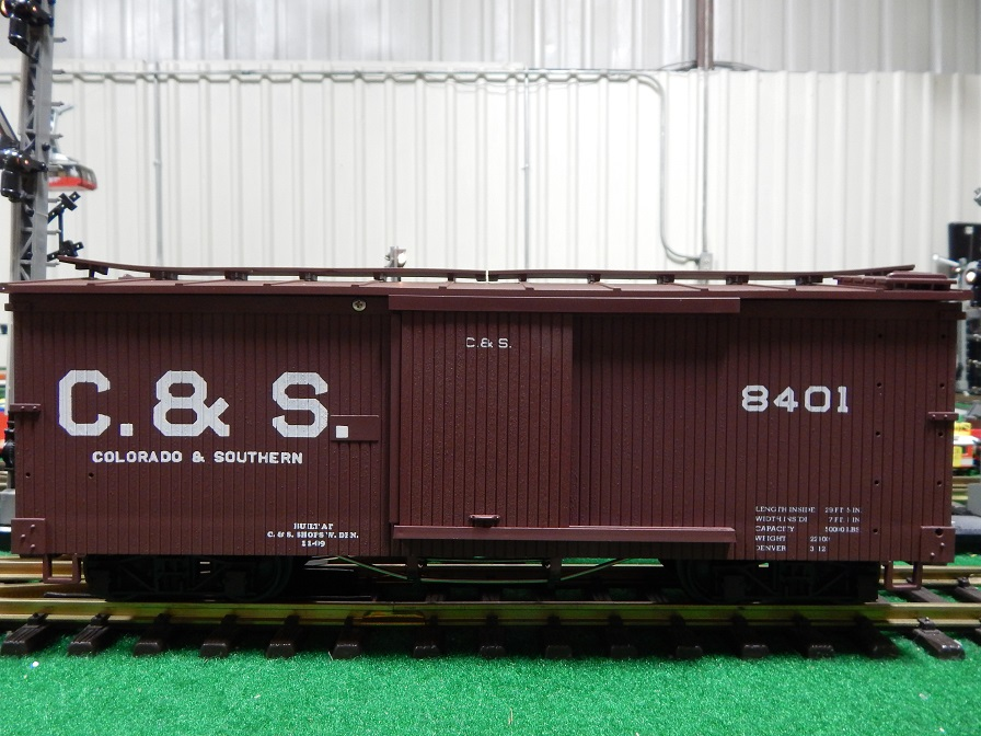 USA Trains R1977A C and S Box Car